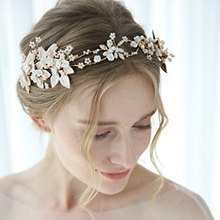 Classic Alloy Tiaras With Venetian Pearl/Crystal (Sold in single piece) (042192933)